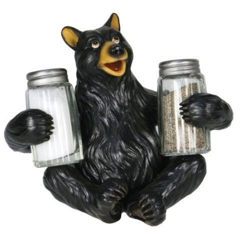 sp-shaker-bear-holding-glass